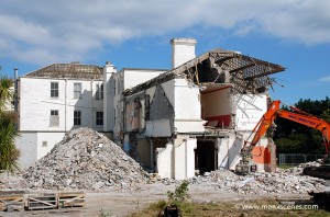 The End - Grand Island Hotel - Ramsey © Peter Killey