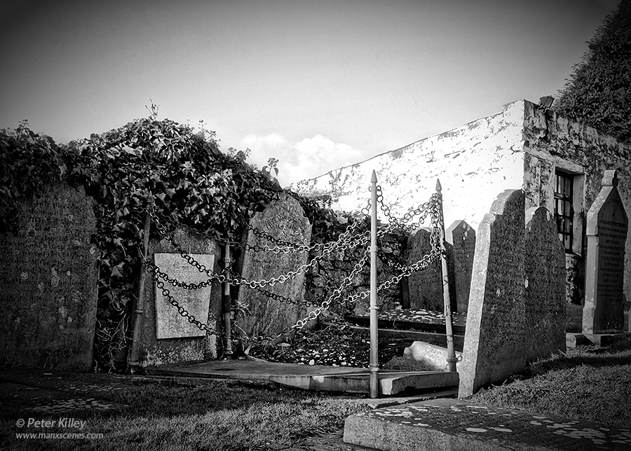 Vampires Grave in Malew Churchyard © Peter Killey - www.manxscenes.com