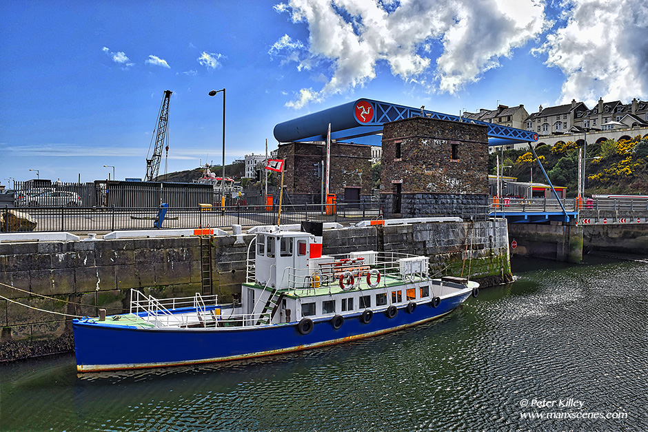 MV Karina in Douglas Harbour © Peter Killey - www.manxscenes.com