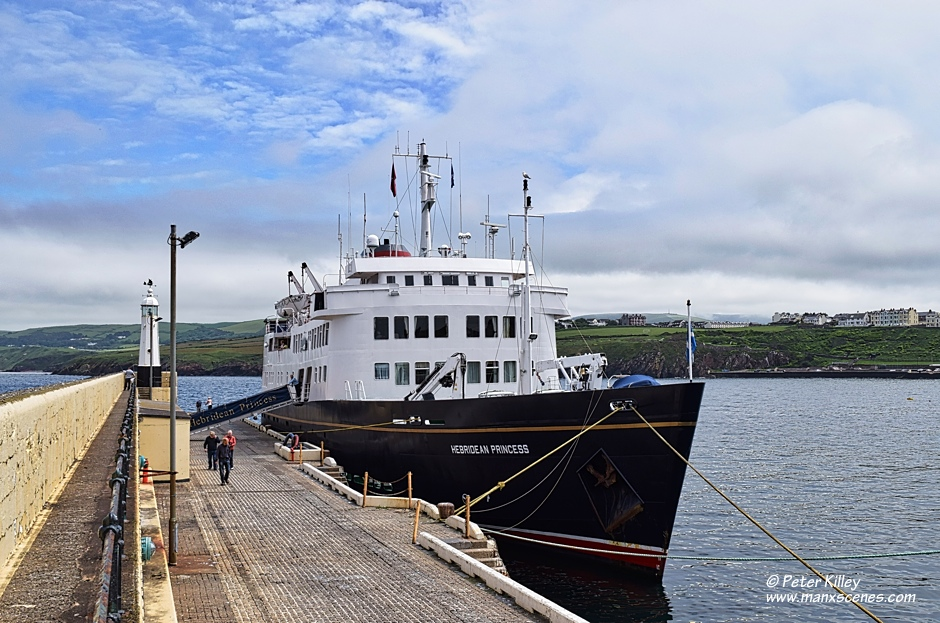 Hebridean Princess at Peel  © Peter Killey - www.manxscenes.com