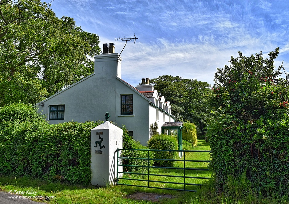 Rose Cottage and the Manx Giant © Peter Killey - www.manxscenes.com