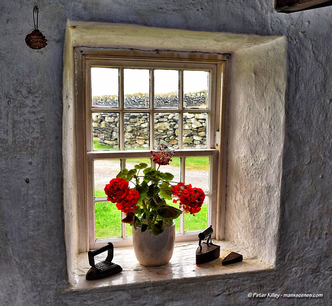 Harry Kellys Cottage © Peter Killey - www.manxscenes.com
