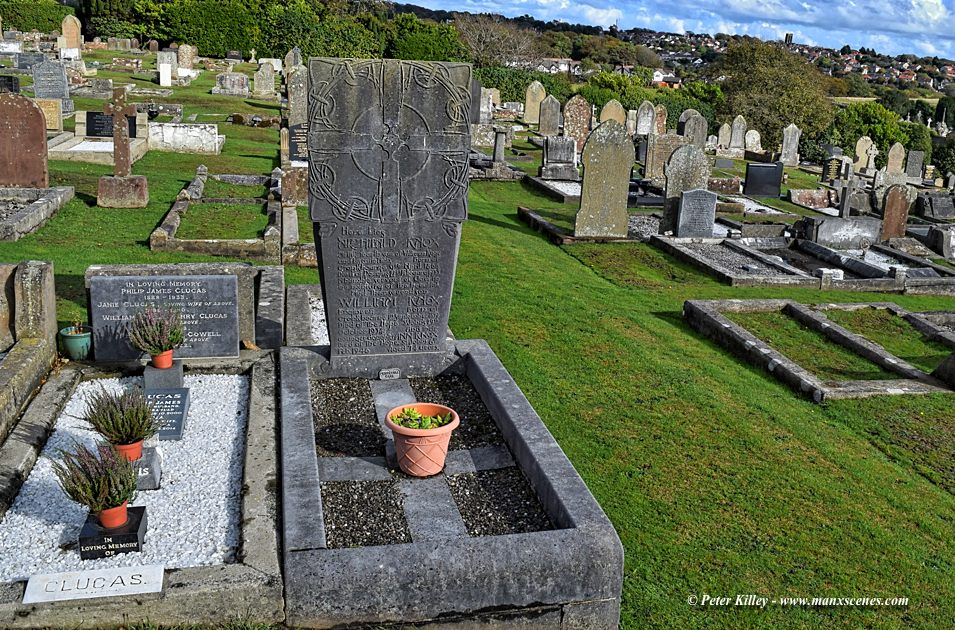 Knox Grave in Braddan Cemetery © Peter Killey - www.manxscenes.com
