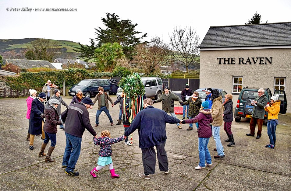 Hunt The Wren at Ballaugh © Peter Killey - www.manxscenes.com