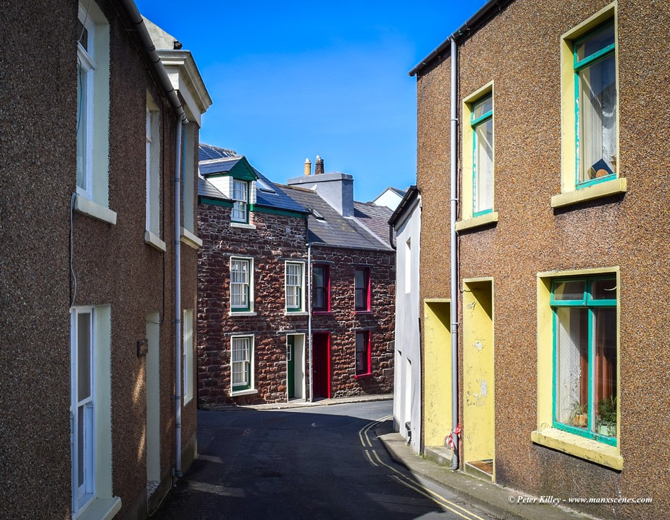 Narrow Peel Streets © Peter Killey - www.manxscenes.com