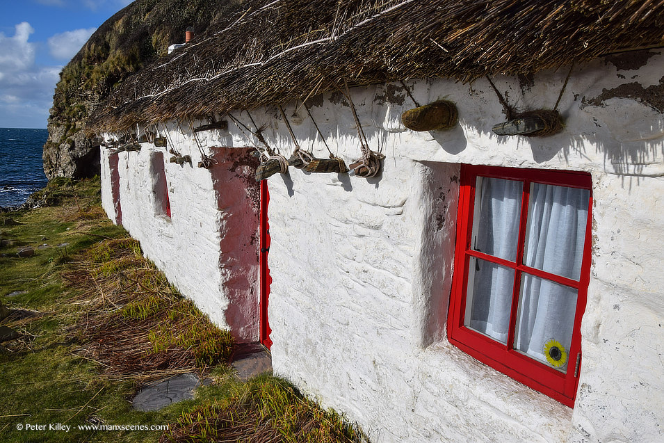 Niarbyl Cottages © Peter Killey - www.manxscenes.com
