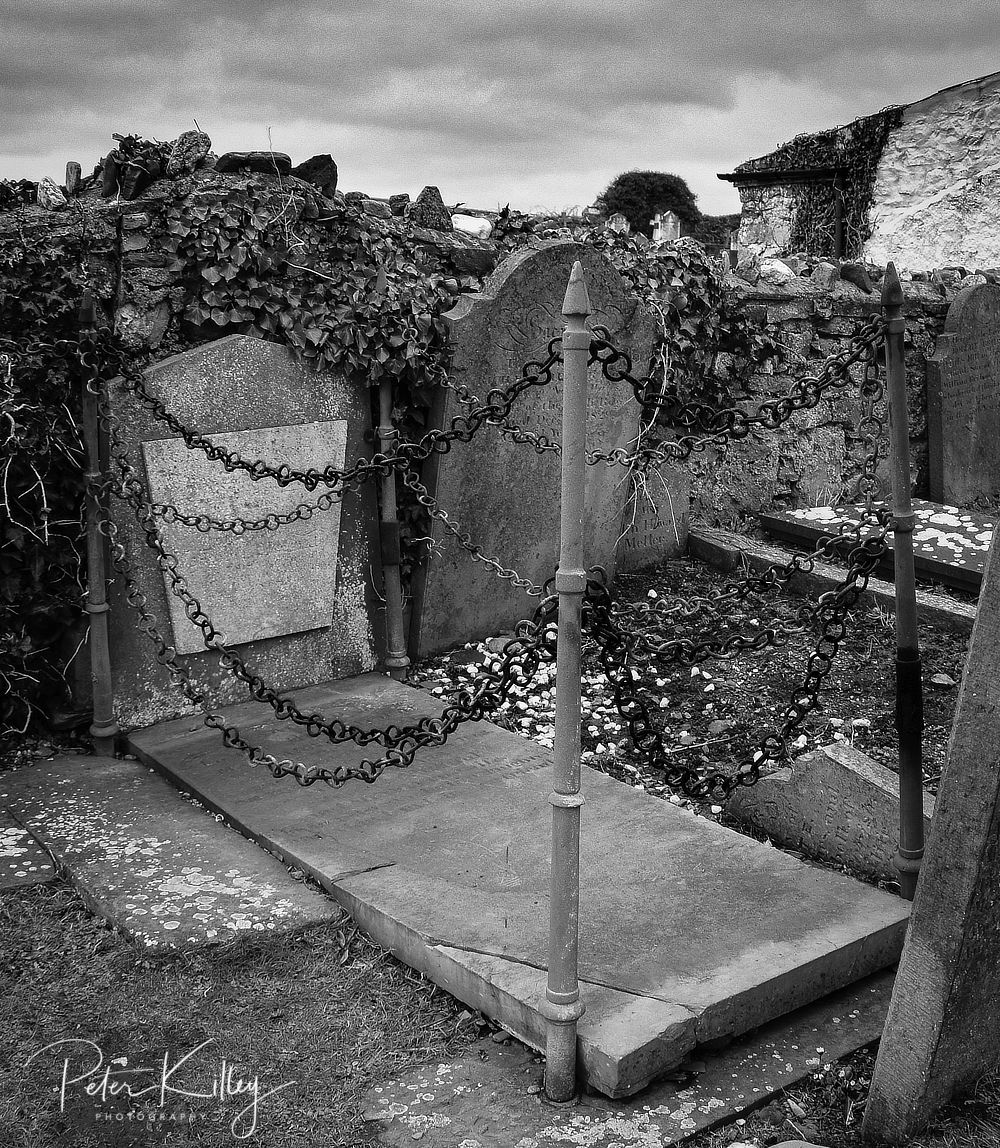 Vampires Grave © Peter Killey - www.manxscenes.com