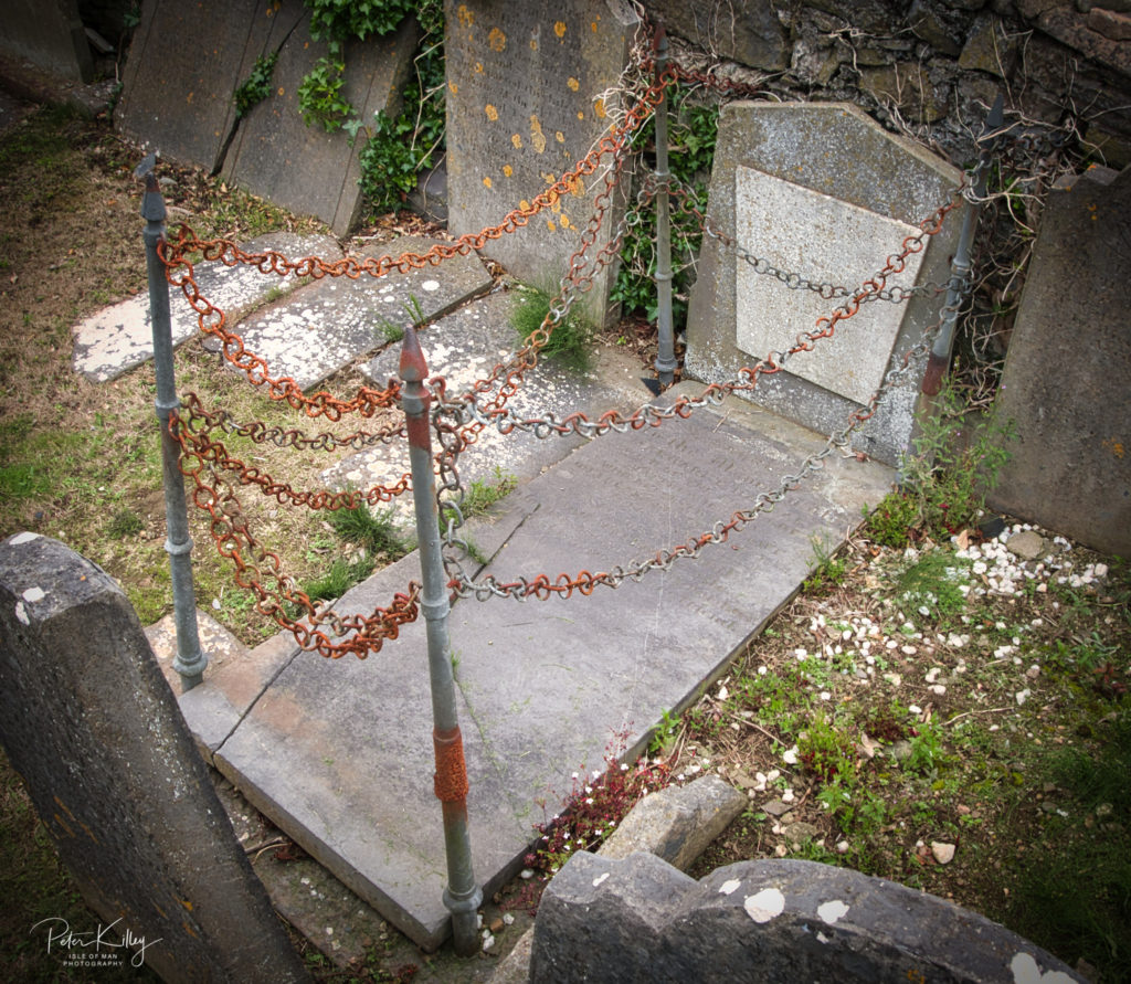 Vampires Grave - Malew - © Peter Killey - www.manxscenes.com