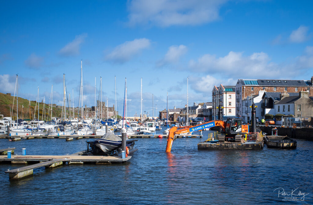 Peel Marina Dredging - © Peter Killey - www.manxscenes.com
